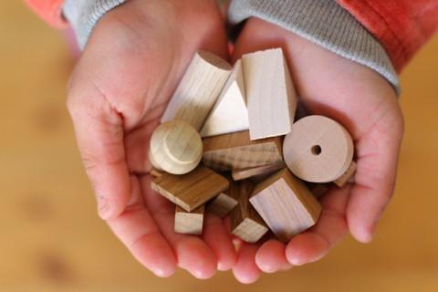 木のブロックで何が出来るかな? イメージ画像