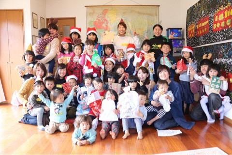 カラフルクリスマスパーティー イメージ画像